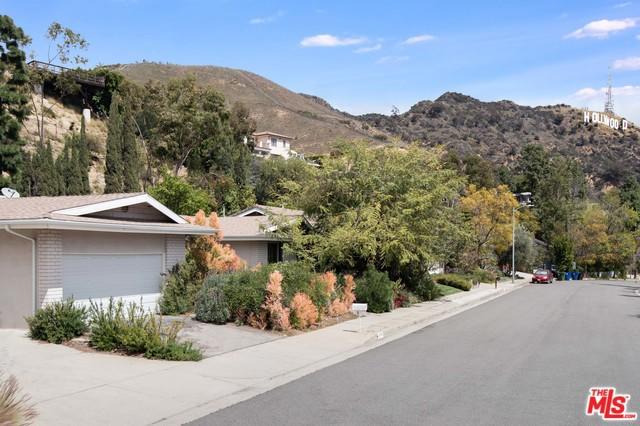 2740 LAKE HOLLYWOOD Drive, Los Angeles, CA 90068