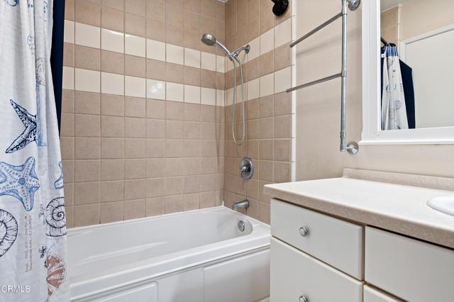 11 - Bathroom
