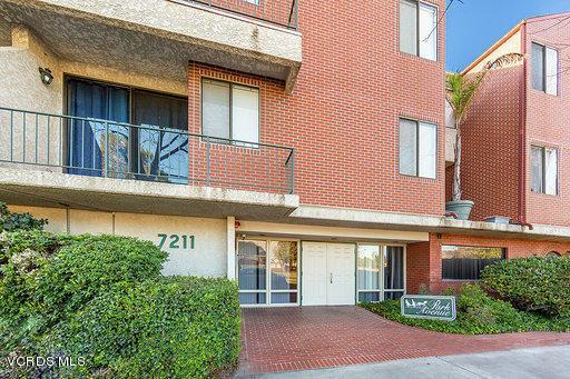 7211 Cozycroft Avenue 20, Winnetka, CA 91306