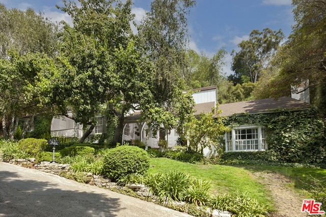 10560 Dolcedo Way, Los Angeles, CA 90077