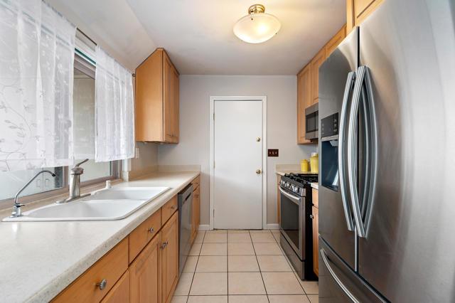 07 - Kitchen