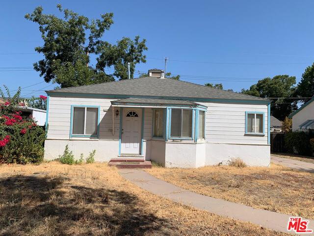 1050 E Sycamore Avenue, Tulare, CA 93274