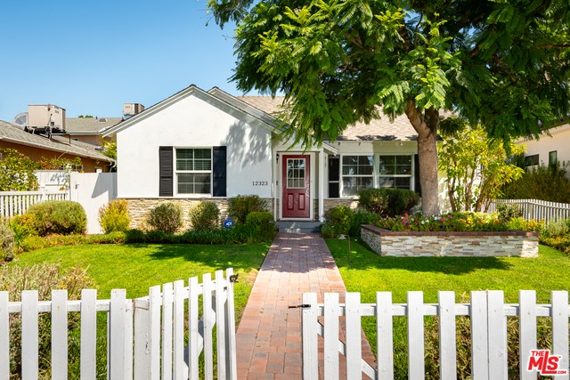12323 COLLINS Street, Valley Village, CA 91607
