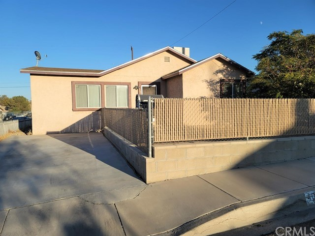 405     Wilshire Place, Barstow CA 92311