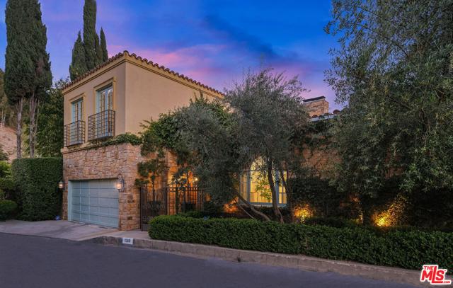 1569 Lindacrest Dr, Beverly Hills, CA 90210 Photo