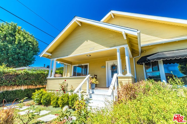 Prime location of Santa Monica. Walk to the The Water Garden, Lionsgate Entertainment, Edmunds Corporate Campus, Universal Publishing, the Metro and a plethora of restaurants. #A: 2/2, completely remodeled, central heat, laundry room w/washer/dryer, large kitchen and living room & 2 parking spaces #B: 1/1 upstairs unit, completely remodeled, wall heater, 2 window AC units, tankless WH, new washer/dryer & 1 parking space #C 1/1 bath downstairs in original condition w/long term tenant & 1 parking space #D: 2/1 bath rear unit, completely remodeled, high ceilings, new solar attic fan, central heat, laundry room w /washer/dryer & 2 parking spaces. Buyer to cooperate with Sellers 1031 tax deferred exchange at no cost to Buyer.