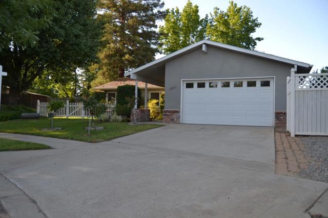 5811 Pontiac Way, Fresno, CA 93727