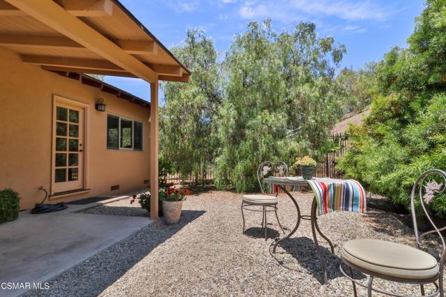 44. 202 Sundown Road Thousand Oaks, CA 91361