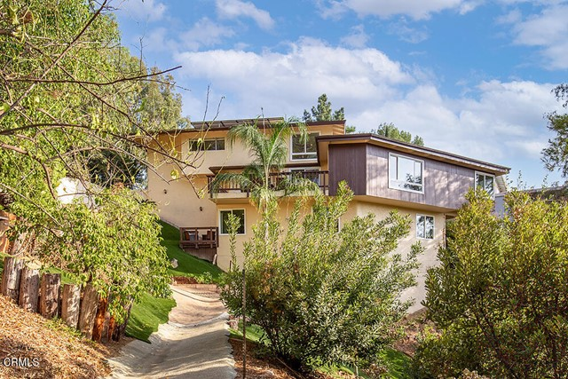 706 Flores de Oro, South Pasadena CA: https://media.crmls.org/mediaz/B8B947E8-F8C7-47D9-8AA4-4B90090C4948.jpg