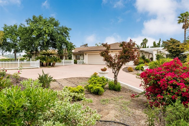 2336 Nabal St, Escondido, CA 92025