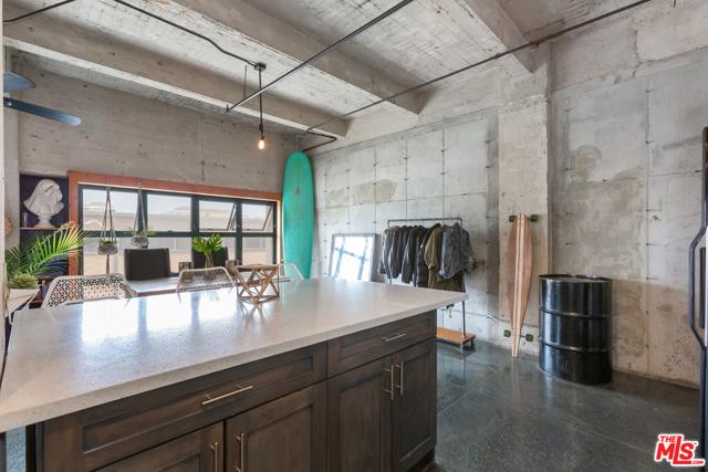 11. 100 W 5Th Street #3A Long Beach, CA 90802