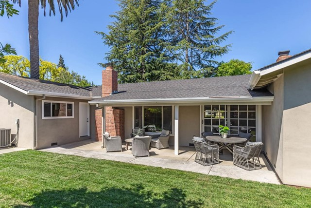 23. 1035 Rose Circle Los Altos, CA 94024
