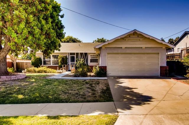 1430 Moon Rd, Vista, CA 92083