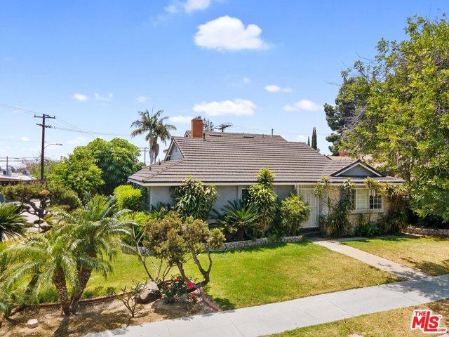101 Oakmont Drive, Montebello, California 90640, 6 Bedrooms Bedrooms, ,3 BathroomsBathrooms,Residential,For Sale,Oakmont,21733394