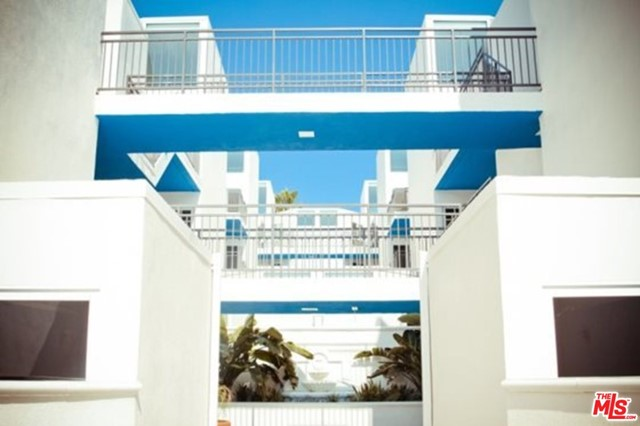 616 ESPLANADE 116, Redondo Beach, California 90277, 2 Bedrooms Bedrooms, ,2 BathroomsBathrooms,For Rent,ESPLANADE,20611990