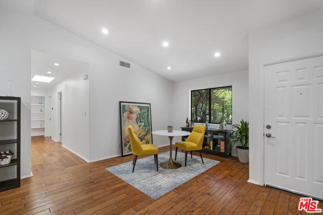 17. 1/2 Mammoth Avenue Sherman Oaks, CA 91423