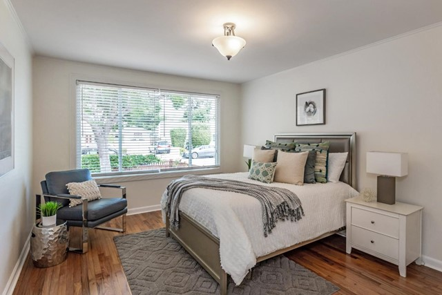 11. 1176 Eighteenth Avenue Redwood City, CA 94063