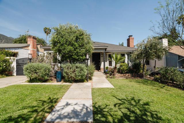 1524 N Grand Oaks Av, Pasadena, CA 91104 Photo 1