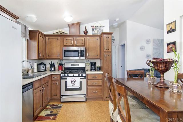 7495 Oakland Rd, La Mesa, CA 91942 Photo 4