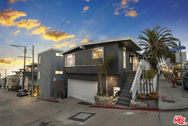 233 38Th Place, Manhattan Beach, California 90266, ,For Sale,38Th,20669434