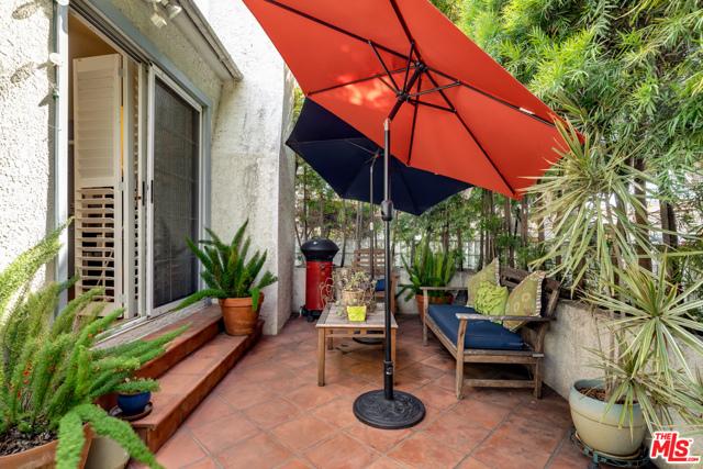 2134 Oak St, Santa Monica, CA 90405 Photo 9