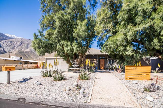 15880 La Vida Drive, Palm Springs, CA 92262