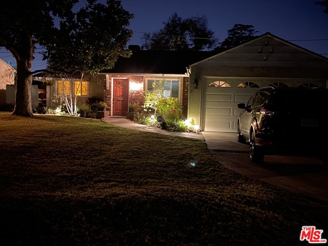 4219 W Woodland Avenue, Burbank, CA 91505