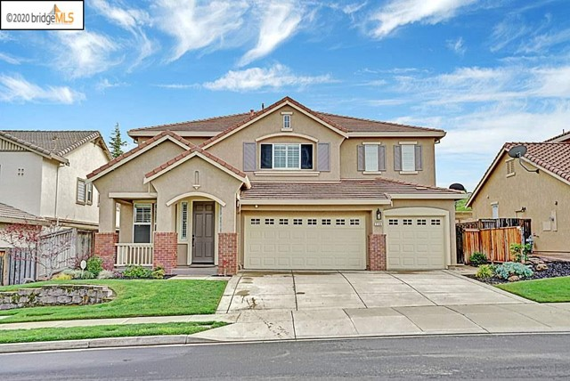 Wow!  This one should check all of the boxes, and has a court location in the popular Deer Ridge community.  This stunning 5 bedroom, 3 bath, 3,202 sq ft home has been well taken care of by it's owners, with tile floors, updated paint, a cozy fireplace in the family room, granite counters in the kitchen, carpeted bedrooms, laundry room with a sink, a beautifully landscaped backyard and lights, with a pool and hot tub, PAID OFF SOLAR, and so much more!  You'll be conveniently located near to the Hwy 4 bypass, schools, shopping, walking/bike trails, public transportation, restaurants, the Delta waterways and more!