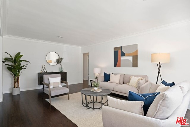4. 745 N Poinsettia Place Los Angeles, CA 90046