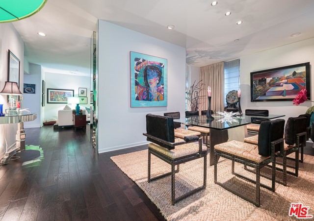 Photo of 235 S Reeves Drive #104, Beverly Hills, CA 90212