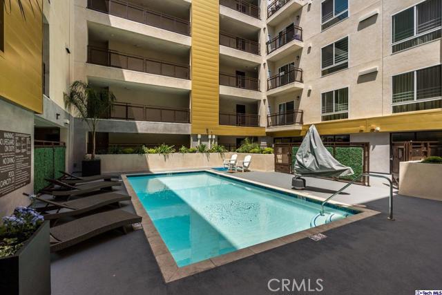 38. 2939 Leeward Avenue #609 Los Angeles, CA 90005
