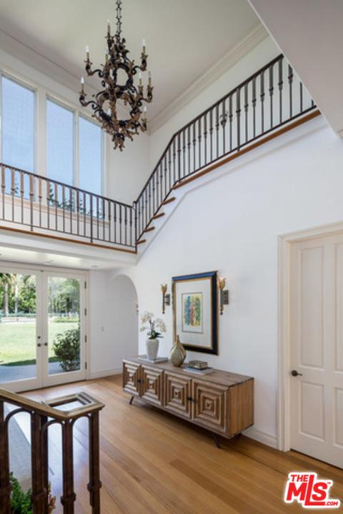 房产卖价 : $3,388万/¥2.33亿