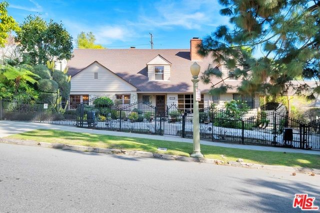 2420 GLENDOWER Avenue, Los Angeles, CA 90027