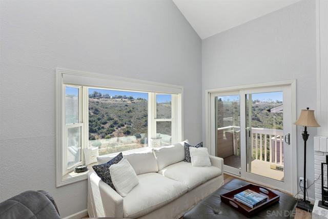6. 10260 Viacha Drive San Diego, CA 92124