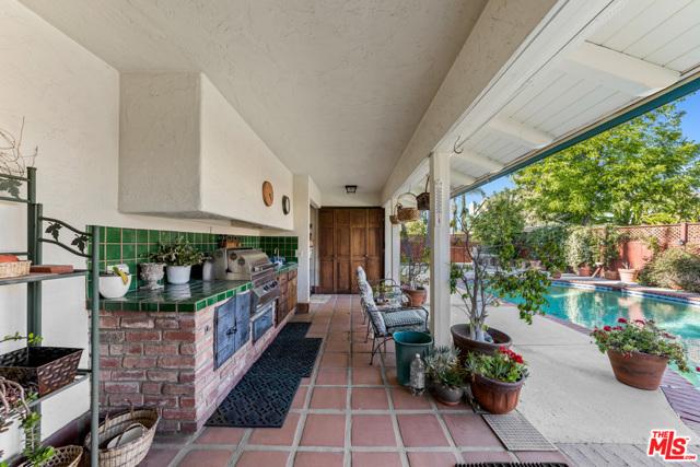 10. 18053 Erwin Street Encino, CA 91316