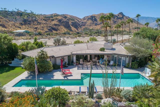 2990 Araby Circle, Palm Springs, CA 92264