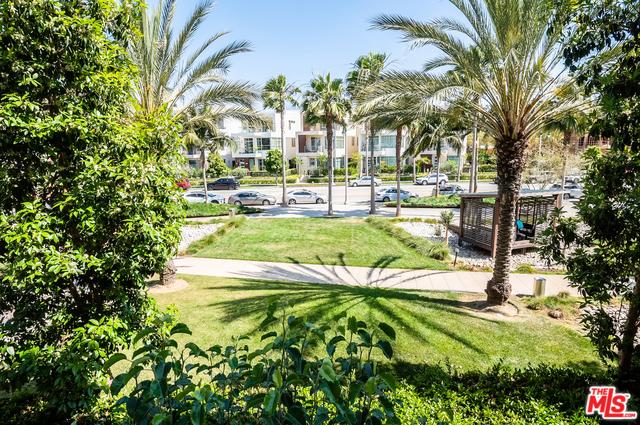 12658 Sandhill Ln, Playa Vista, CA 90094 Photo 3