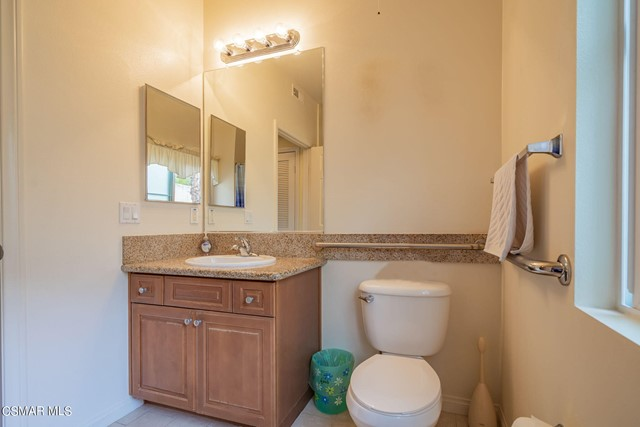 27. 461 Country Club Drive #111 Simi Valley, CA 93065