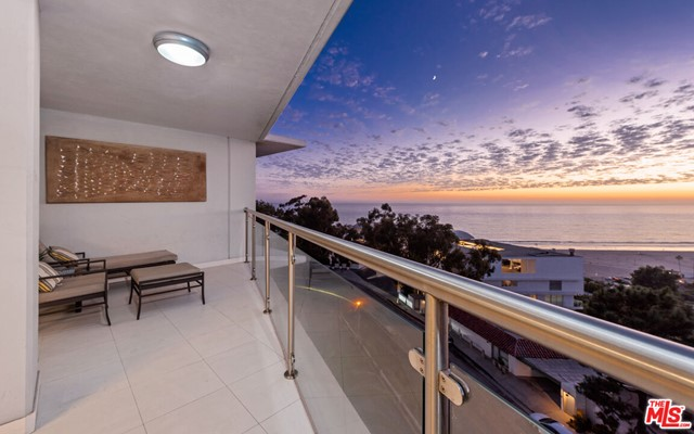 It's all about the views in this sensational 3 bed/ 2.5 bath unit. Enter into a large open living room that opens up onto a gracious balcony w/ unobstructed ocean views of the ocean and Malibu coastline. Ocean Towers has 5-star amenities including Valet Parking, 24-hour security, Concierge service, Pool, Gym and Spa. Walking distance to the beach, world class shopping and restaurants. Steps to the beach. Bring your toothbrush.