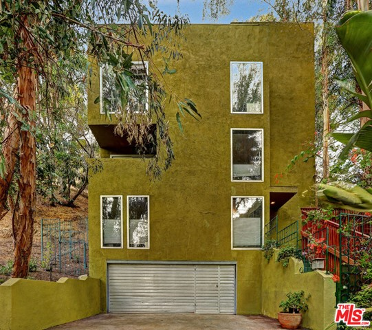 8429 Lookout Mountain Ave, Los Angeles, CA 90046