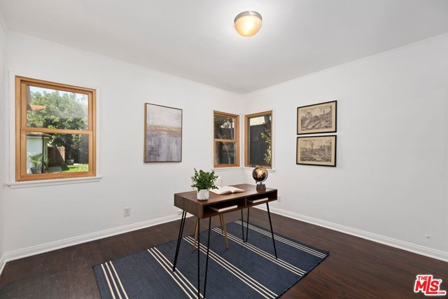 17. 745 N Poinsettia Place Los Angeles, CA 90046