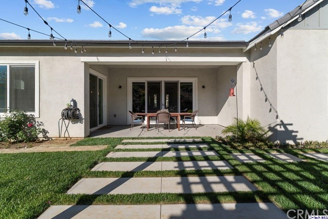 37. 25153 Cypress Bluff Drive Canyon Country, CA 91387