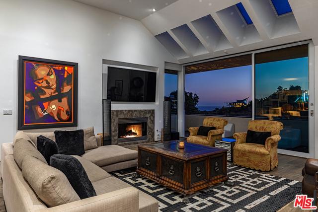 6. 21070 Las Flores Mesa Drive Malibu, CA 90265