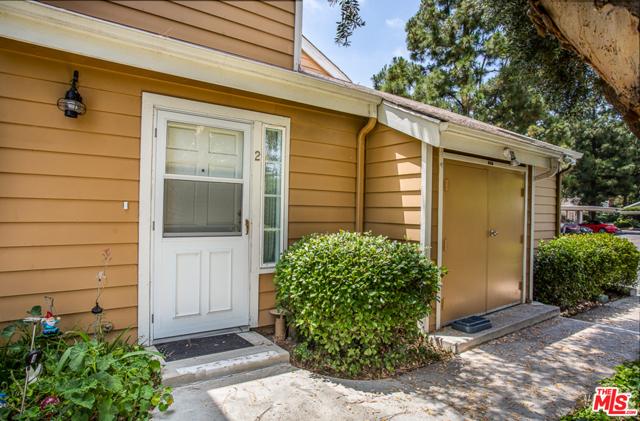 6614 CLYBOURN Avenue 2, North Hollywood, CA 91606
