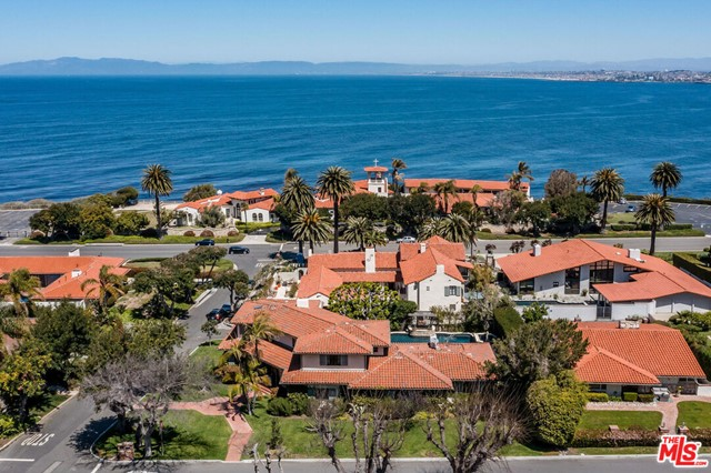 3. 453 Via Media Palos Verdes Estates, CA 90274