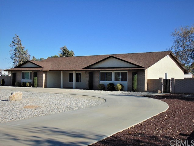 13875 Iroquois Rd, Apple Valley, CA 92307