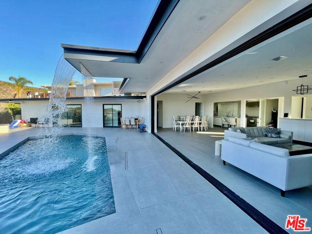 1393 Casiano Rd, Los Angeles, CA 90049