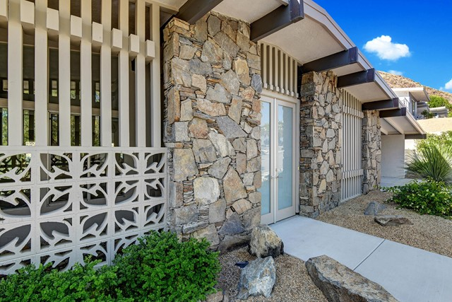 1287 Los Robles Drive, Palm Springs, CA 92262
