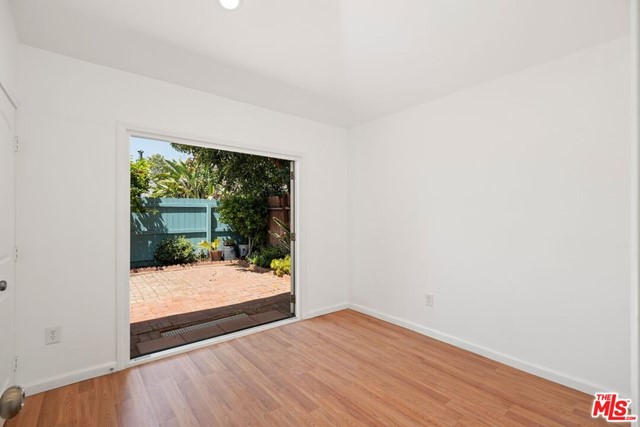 39. 745 N Poinsettia Place Los Angeles, CA 90046