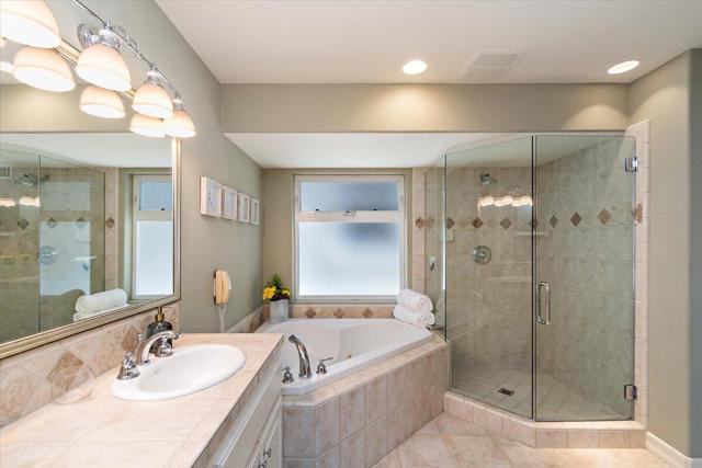 Master Suite soaking tub